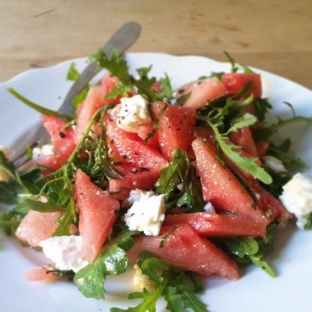 Melonen-Rucolasalat mit Feta und Minze