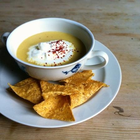 Maiscremesuppe mit Chili