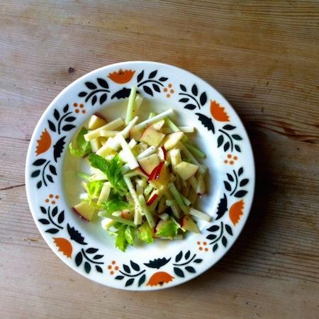 Selleriesalat mit Appenzellerkäse und Äpfeln
