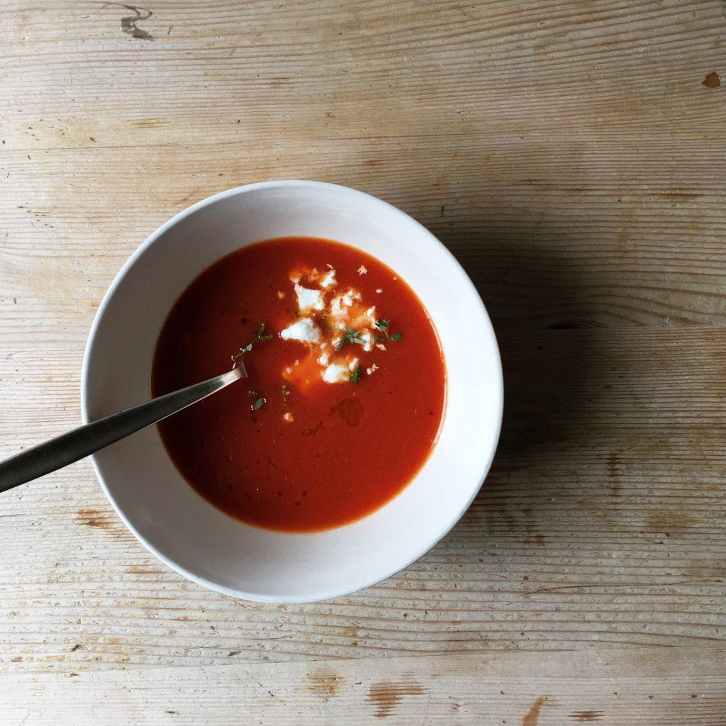 tomatensuppe aus ger steten tomaten einfach essen. Black Bedroom Furniture Sets. Home Design Ideas